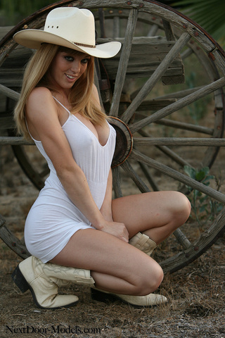 blonde cowgirl hat leather