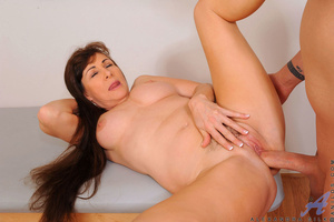 Long haired vixen grinds her fat pussy o - XXX Dessert - Picture 7