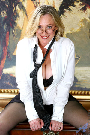 Nerdy blonde mature slides her undies to - XXX Dessert - Picture 2