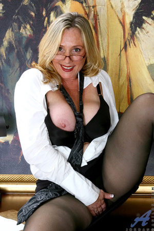 Nerdy blonde mature slides her undies to - XXX Dessert - Picture 4