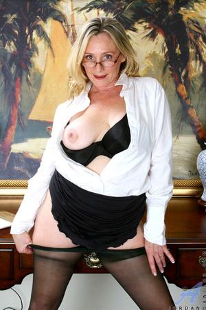 Nerdy blonde mature slides her undies to - XXX Dessert - Picture 9
