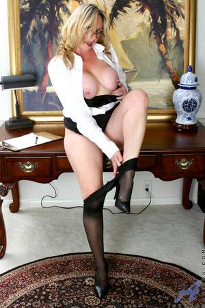 Nerdy blonde mature slides her undies to - XXX Dessert - Picture 11