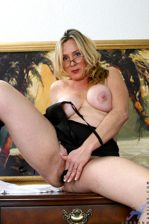 Nerdy blonde mature slides her undies to - XXX Dessert - Picture 14