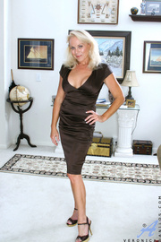 fit blonde mature with