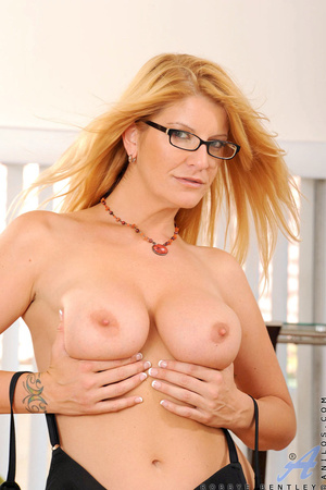 Nerdy blonde office babe teases us by playing with herself - XXXonXXX - Pic 6