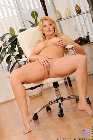 Nerdy blonde office babe teases us by playing with herself - XXXonXXX - Pic 11