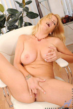 Nerdy blonde office babe teases us by playing with herself - XXXonXXX - Pic 13
