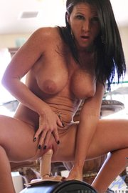 raven haired milf spreads