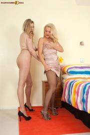 blonde pantyhose lesbian