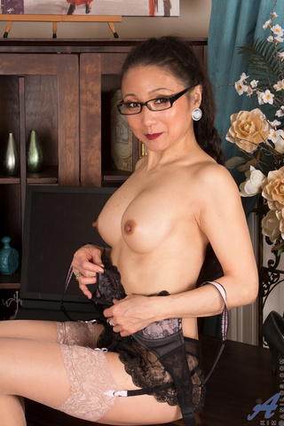 horny chinese chick red