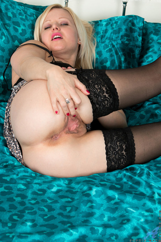 plump canadian babe pussy