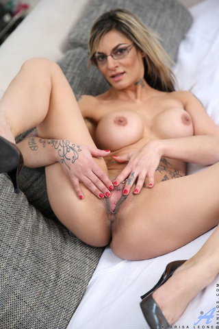 tempting chick glasses naked