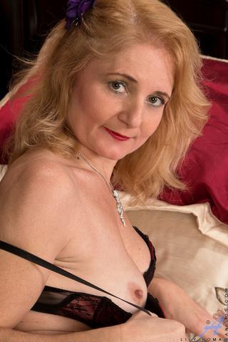 mature blonde spreads juicy