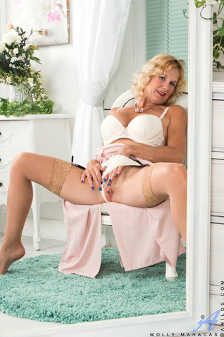 naughtry granny enjoy masturbating