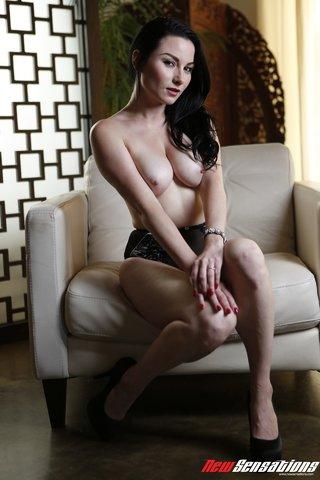 hot tattooed chick long