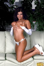 curly haired tanned hottie