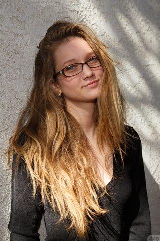 american brunette teen
