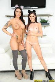 latina threesome ffm