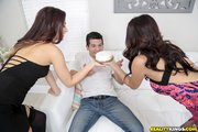 latina ffm threesome