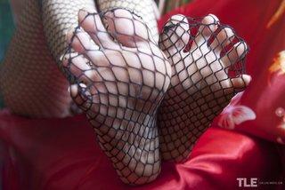 solo fishnet pantyhose
