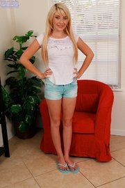 blonde teen amateur