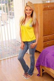 brunette american teen amateur