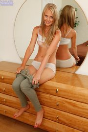 blonde amateur teen striptease
