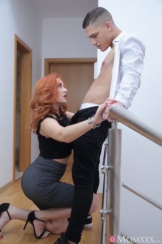 russian mom redhead