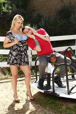 American blonde step mom - XXXonXXX - Pic 10