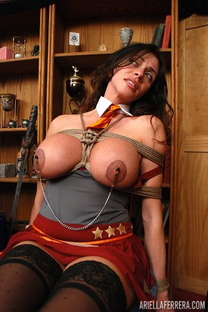 Brunette tied up - XXXonXXX - Pic 1