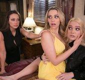 American blonde lesbian threesome