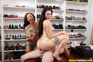 Brunette money - XXX Dessert - Picture 21