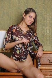nude stunning model