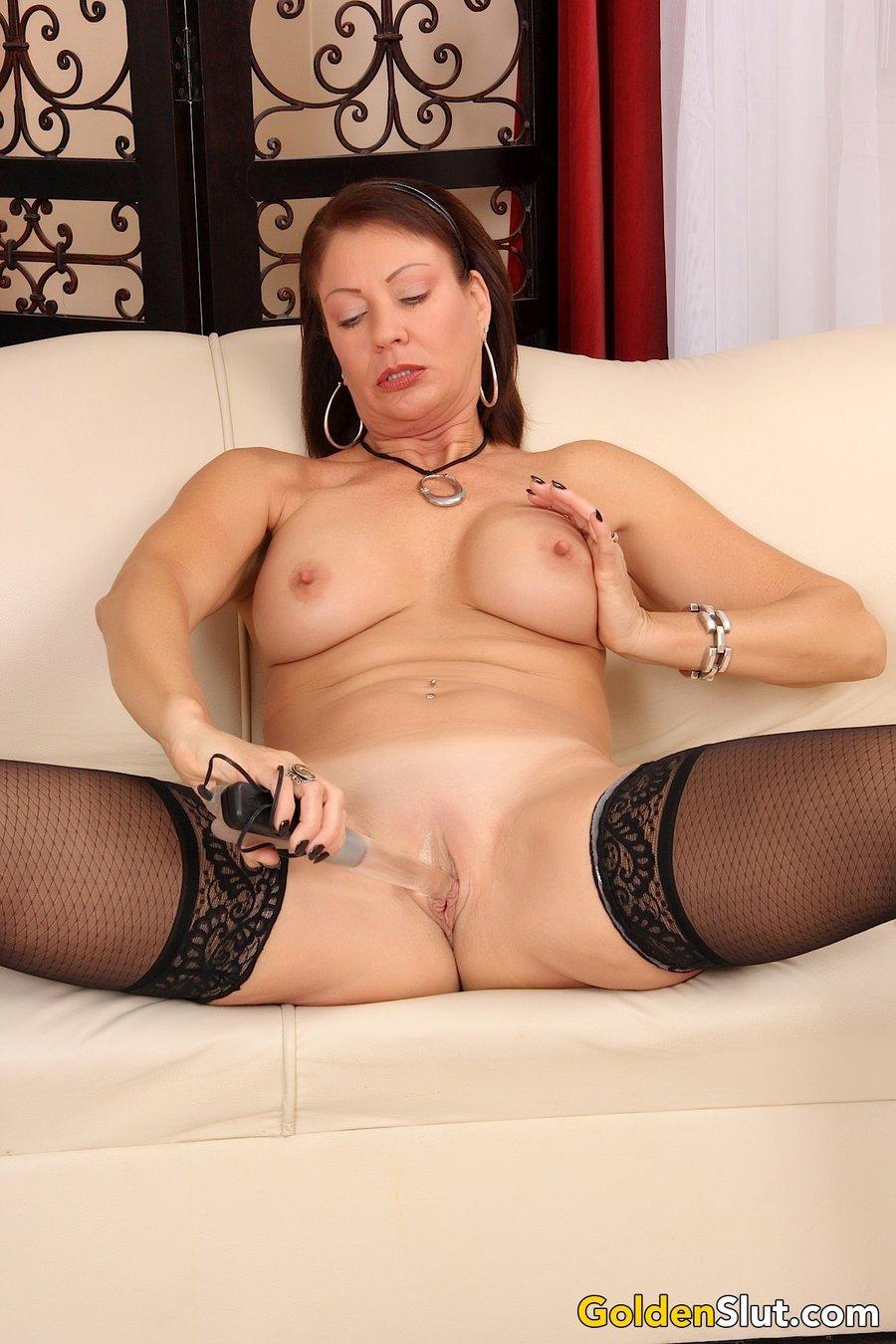Big tits mom pics 444