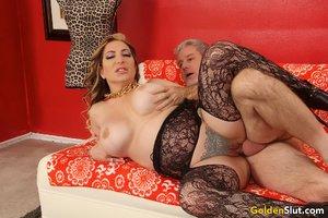 Horny mature mom big tits - XXX Dessert - Picture 7