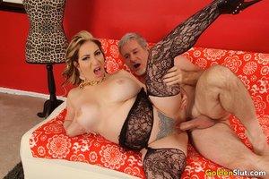 Horny mature mom big tits - XXX Dessert - Picture 8