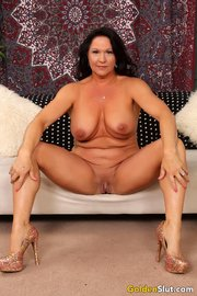 mature naked milf