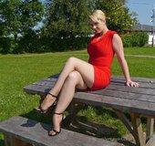 Shiny blonde feet